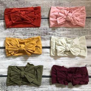 Other - Brand New Set of 6 Nylon Baby Girl Bow Headbands